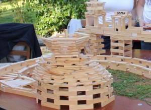 Construction avec des planchettes en bois, Kapla