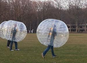 la location des structures gonflables du bubble foot lors d'un match