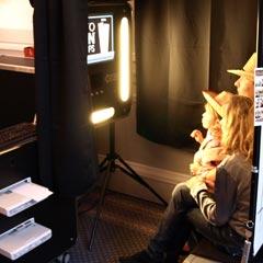 Séance de prise de photo à l'intérieur de la cabine