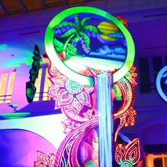 installation artisanale en peinture flurorescente