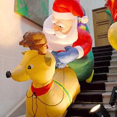 Décoration gonflable pour un arbre de Noël d'entreprise