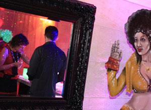 L'ambiance et les décors de la soirée disco