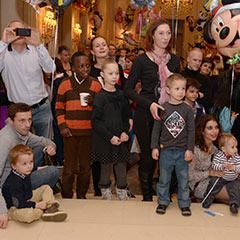 parents et enfants pour rencontrer le Père Noël