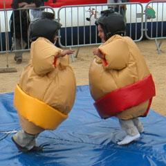 Costumes de sumo pour les enfants