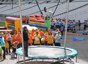 location du trampoline élastique avec une animation structure gonflable